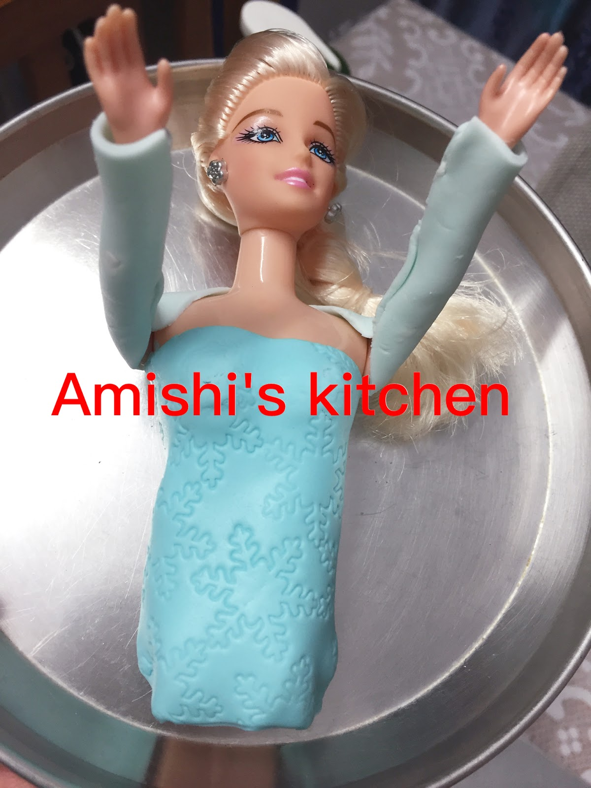 Amishi \'s Kitchen : DOLL CAKE