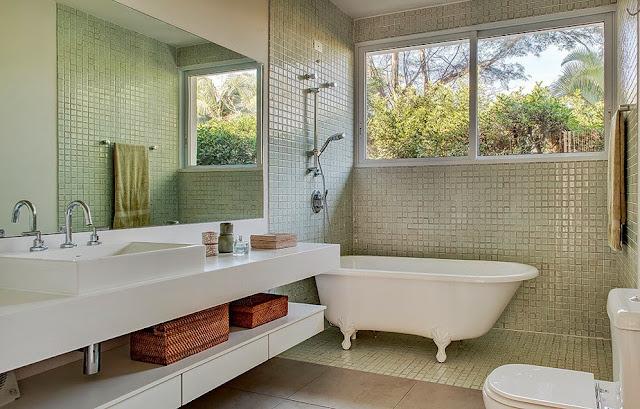Banheiro-com-banheira-de-apoio-2