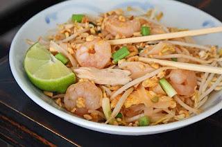 Makanan khas Pad Thai Thailand