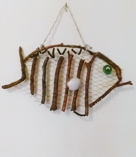 Chickenwire DIY Fish Wood Sticks Driftwood Wall Decor Craft