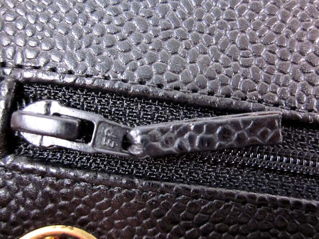 c20a427bbfde Example of a  modern  day EP zipper as seen here on a authentic 2.55 caviar  classic bag from the 2005 collection. This style of EP zipper is usually  found ...