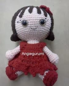 http://angiegurumi.blogspot.com.es/2011/10/amigurumi-little-doll-free.html