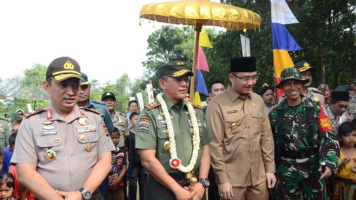 Pangdam III/Siliwangi Dampingi Wakil Gubernur Banten Buka TMMD ke 102 di kab. Serang