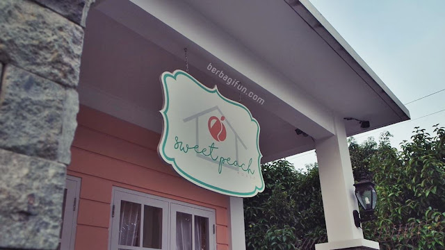 sweet peach house lombok 1