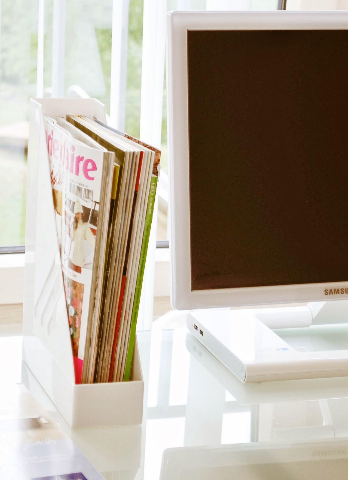 Broschüren, Kataloge und Zeitschriften aufbewahren