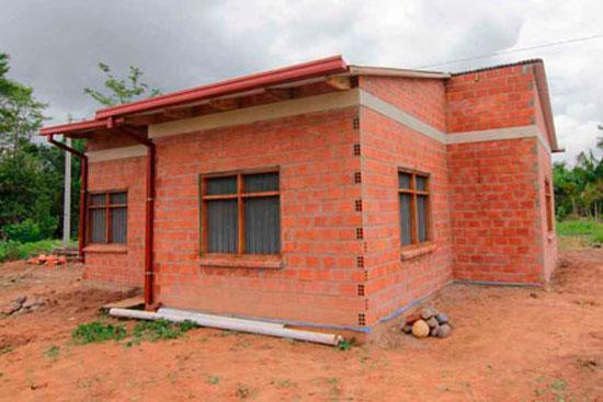 Aprehenden a extranjero y dos bolivianas por estafas en tema de viviendas sociales