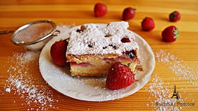Ciasto truskawkowe z likierem