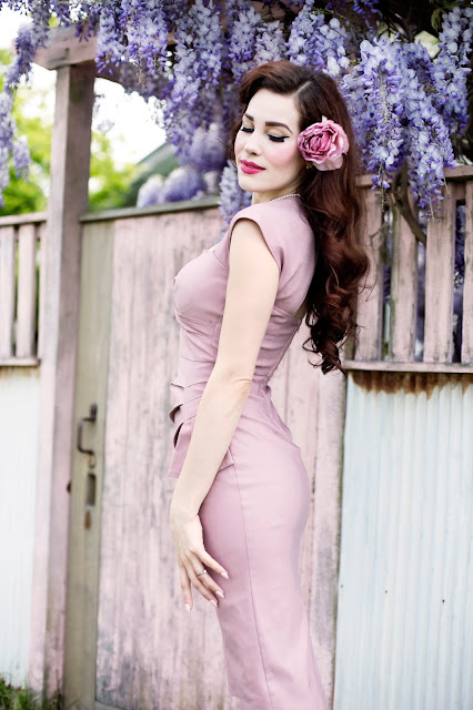 Wisteria Lane: A Review of the Uma Dress from Stop Staring!