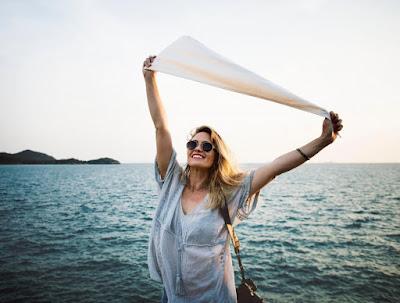 Berdamailah Dengan Masa Lalu. Sebab Kelak Kita Akan Mengerti Arti Bahagia Yang Sesungguhnya