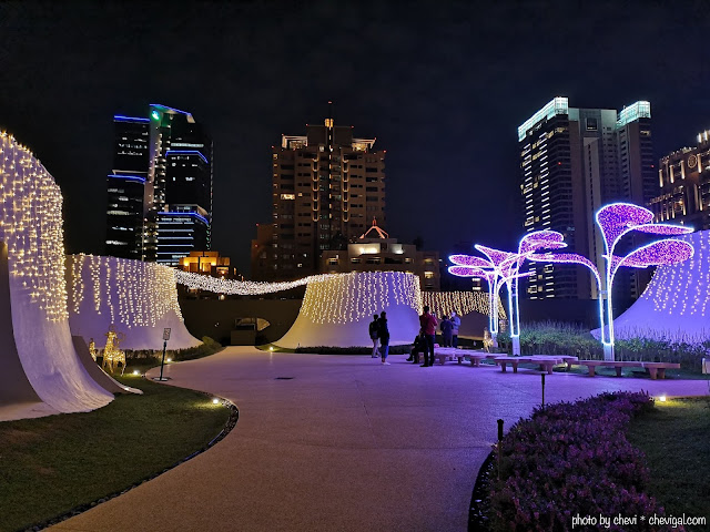 48385969 299556564099664 7421887234778857472 n - 台中國家歌劇院空中花園點燈囉!趕緊把握聖誕節與跨年夜晚來浪漫一下吧!
