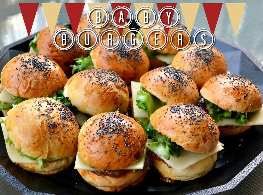http://www.theblondeandbrowngirl.com/2016/02/mini-burgers-au-pavot.html
