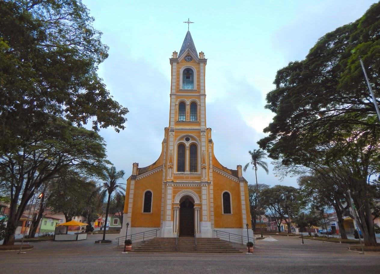 Dizem que, para conhecer de fato uma cidade do interior do Brasil, é preciso passar em frente da Igreja Matriz. A de Joanópolis é dedicada à São João Batista, o que explica em parte o nome do município.