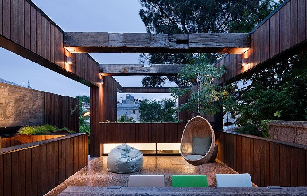 Come trasformare la tua terrazza in un angolo di relax for Arredamento per terrazzo piccolo