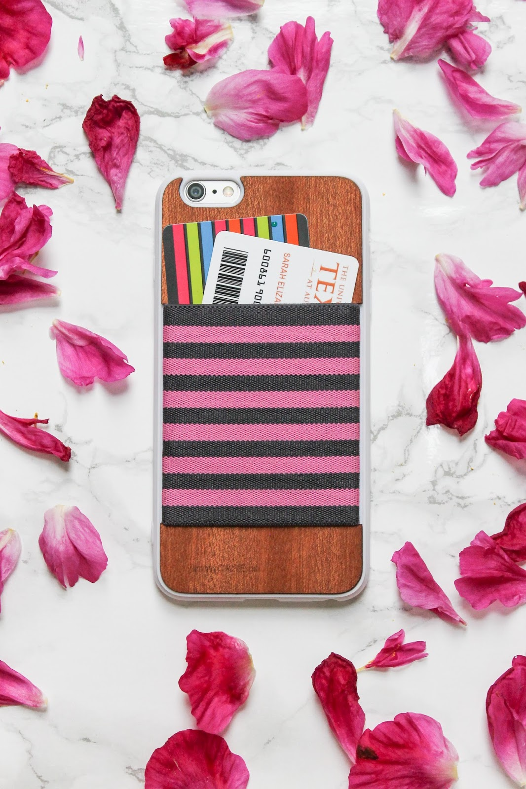 The Best Phone Case for College: jimmyCASE | www.thebellainsider.com