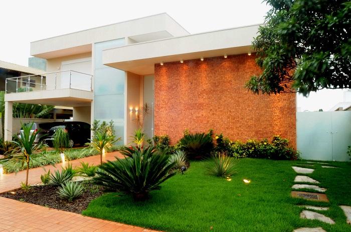 24 fachadas de casas modernas tipos de revestimentos for Casa moderna que es
