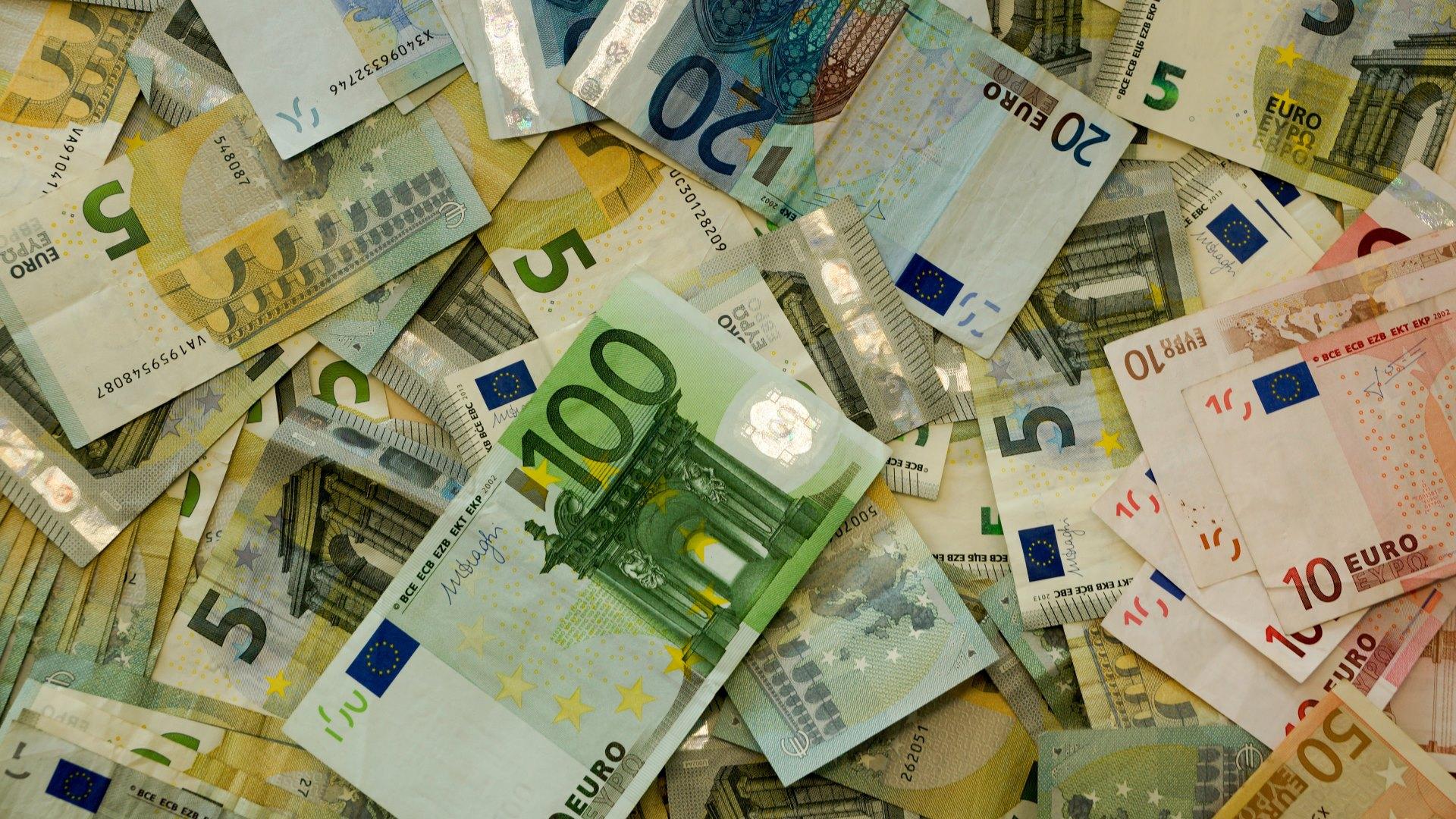 Wallpaper: Full of Money