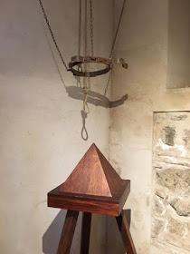 Instrumentos  de tortura reales Unnamed-29