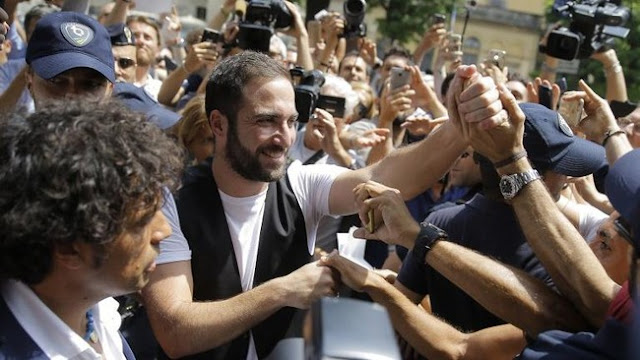 Higuain Pahami Kemarahan Tifosi Napoli