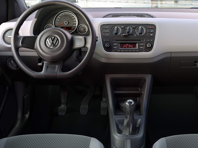 VW Up! Track 2017 - interior - painel