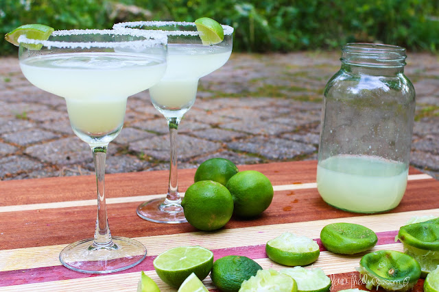 Classic Margarita & limes for Cinco de Mayo