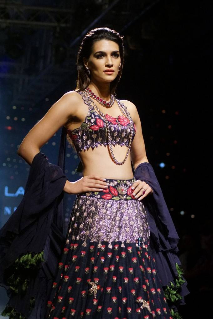 Kriti Sanon At LFW Winter Festive 2017 Event Stills