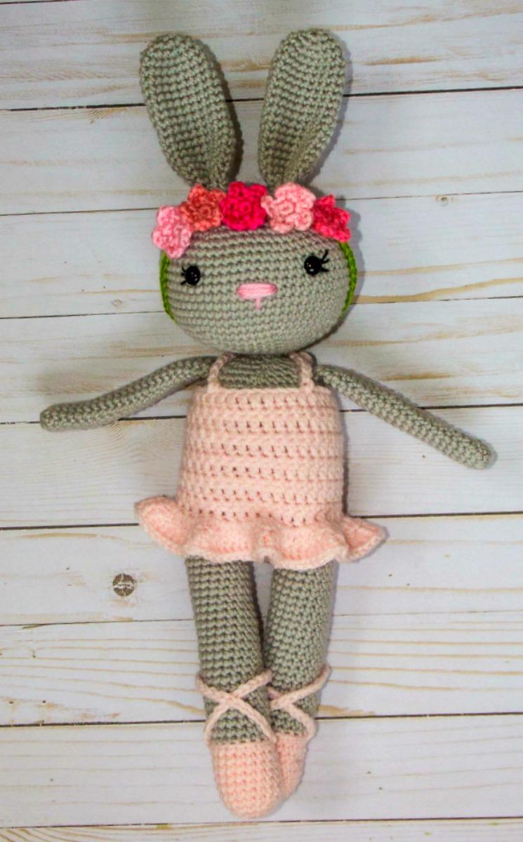 Amigurumi Crocheted Ballerina Cat [FREE Crochet Pattern] | 1200x745