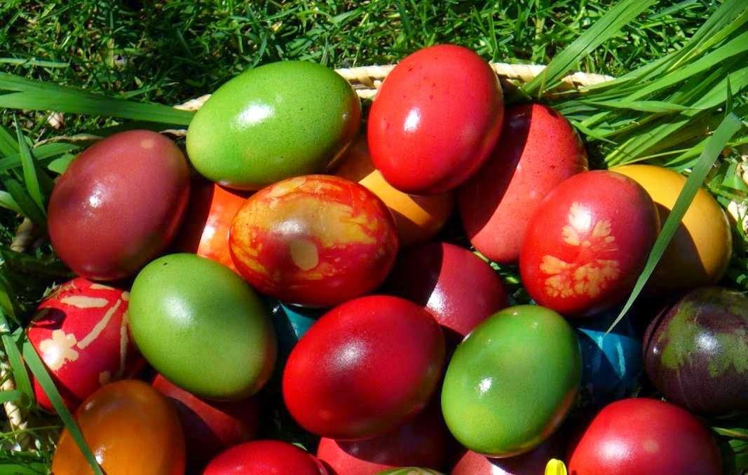 Secretul vopsirii Oului Rosu de Paste metode si trucuri culinare