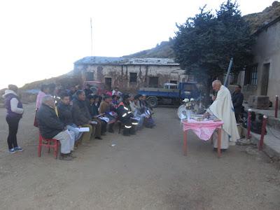 Gottesdienst in der Mine oberhalb von Esmoraca