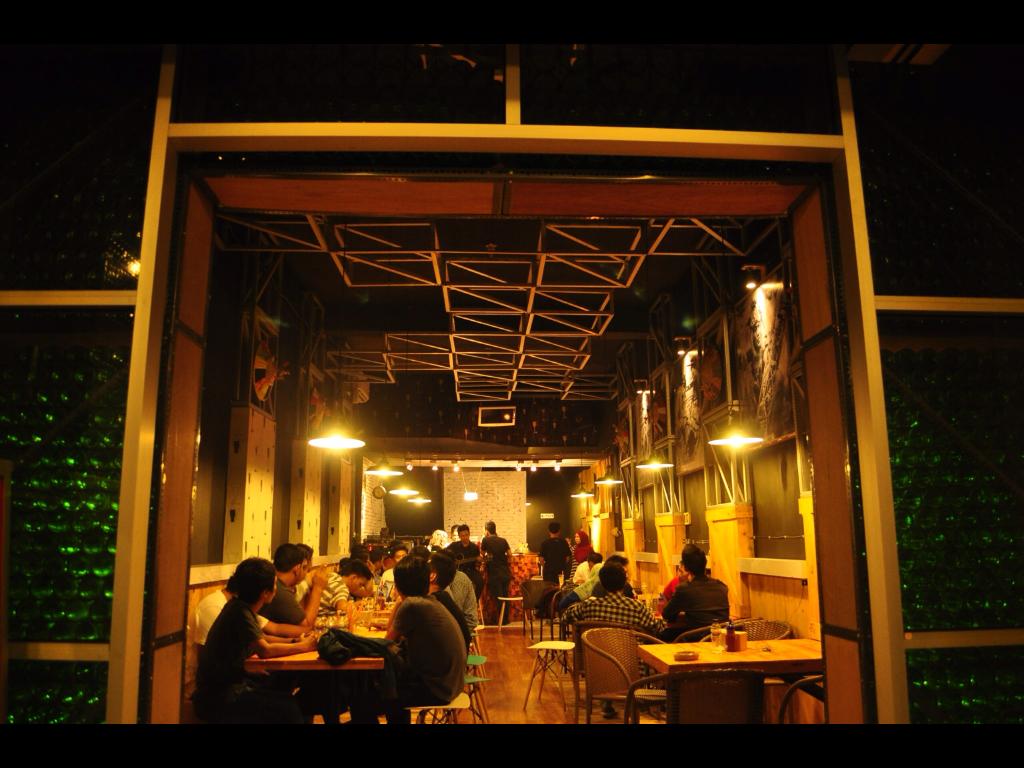 Borneo Cafe and Bistro