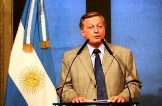 """En ese marco, Frigerio apuntó que desde el gobierno nacional """"cuando nos equivocamos, lo reconocemos y lo dialogamos"""", en cambio durante la presidencia de Cristina Kirchner""""cuando se equivocaban redoblaban la apuesta""""."""