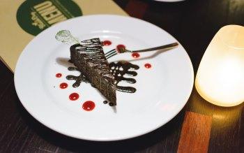 Wallpaper: Chocolate Dessert at Restaurant