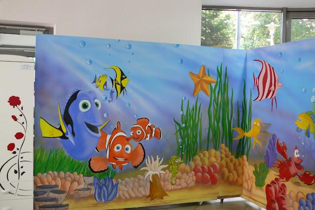 Toruń, aranżacja pokoju dziecięcego w motyw fafy koralowej, malarstwo ścienne