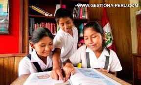 Cursos de emprendimiento disminuirían deserción escolar en colegios peruanos