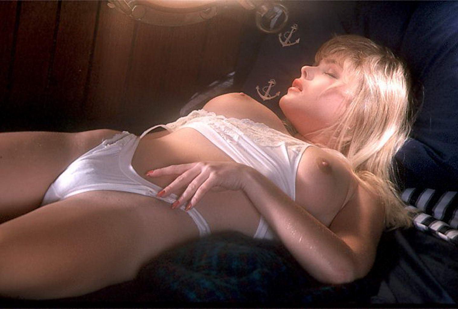 hollywood-erotic-channels-vaginas-en-hd