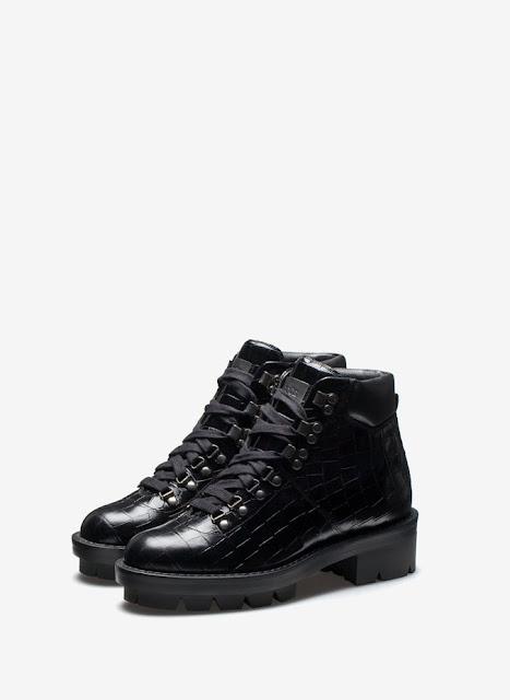 Uterqüe embossed boots