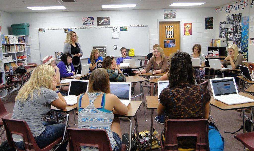Social Media yang Dapat Membantu Kamu Dalam Mempelajari Bahasa Inggris
