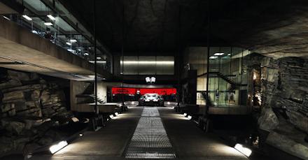 Einmal mit Streetview durch Batmans Batcave gehen | Zu Gast bei Bruce Wayne