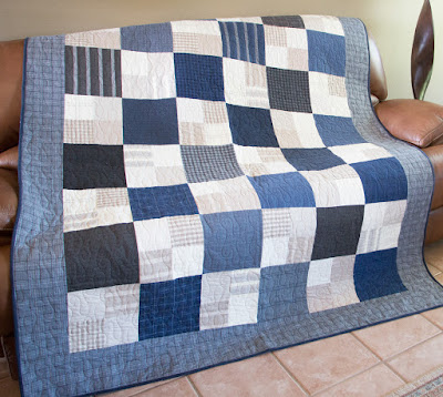 http://fatquartershop.blogspot.com/2016/08/layer-cake-checkmate-free-pattern-with.html