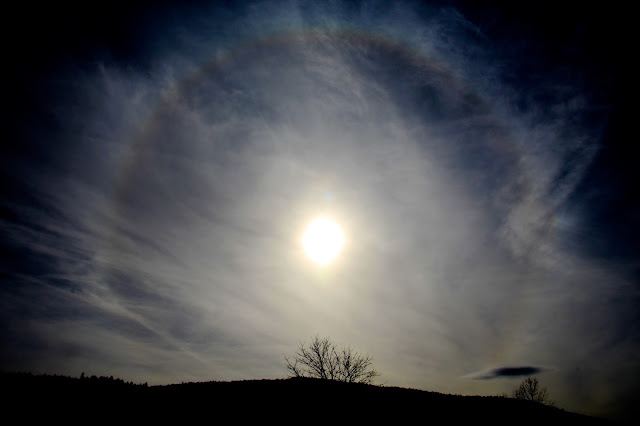 Sun halo ,22° degree halo around the sun,