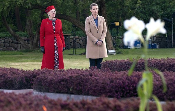 Queen Margrethe and Prime Minister Mette Frederiksen attended a memorial ceremony at Mindelunden. Princess Mary