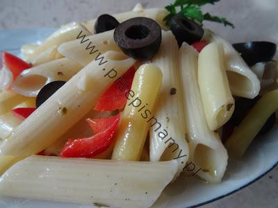 Sałatka z makaronu i fasolki szparagowej