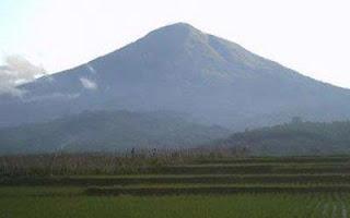Jalur Pendakian Gunung Cikuray Via Pemancar