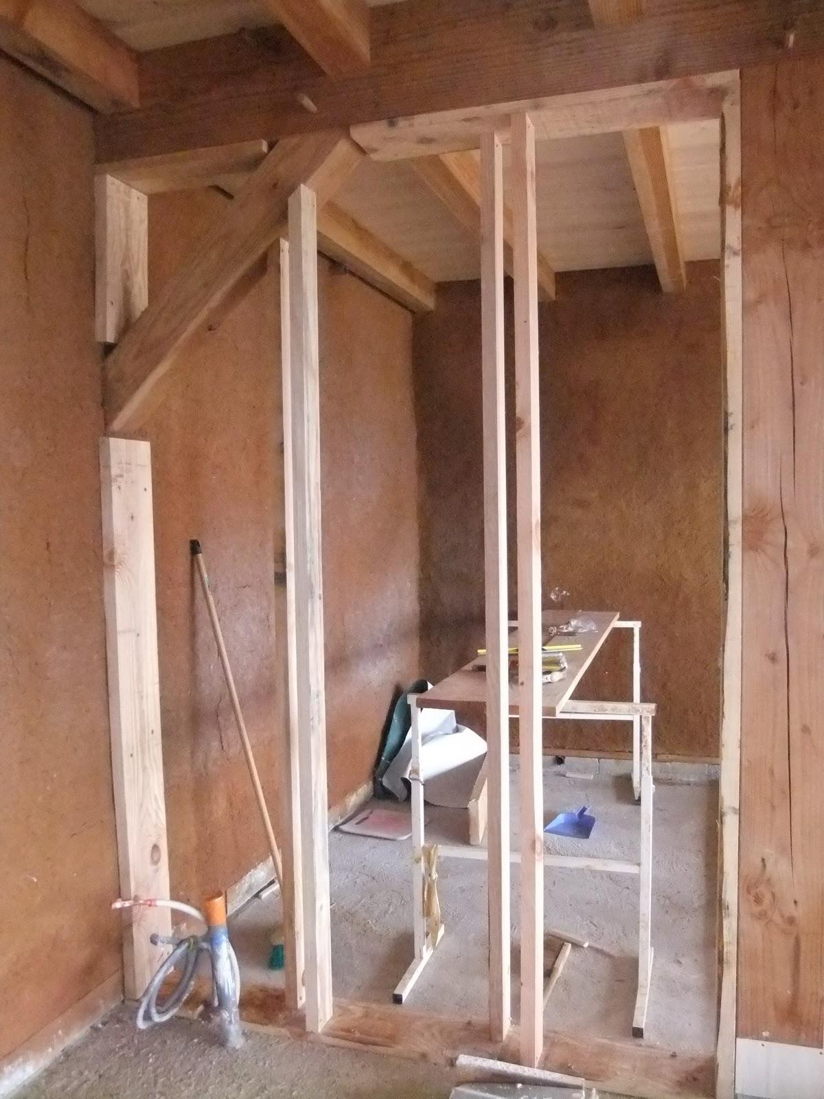 eco projet en corr ze l 39 ossature des cloisons du cellier. Black Bedroom Furniture Sets. Home Design Ideas