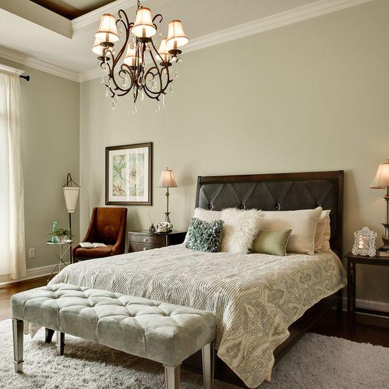Классика стиля - мягкая прикроватная банкетка в спальне! 20 картинок для вдохновения
