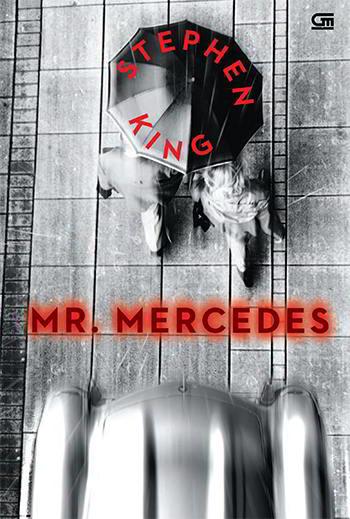 tiba seorang pengendara kendaraan beroda empat melaju kencang ke arah mereka dalam kendaraan beroda empat Mercedes curian Mr. Mercedes karya Stephen King PDF