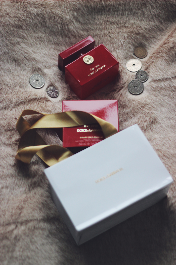 Dolce & Gabbana The One Collector's Edition Fragrance aimerose beauty blog review