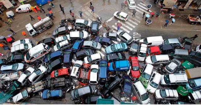 Κυκλοφοριακό κομφούζιο στους δρόμους της Αθήνας λόγω της βροχής