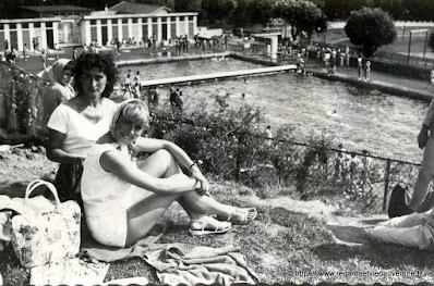 photo noir et blanc, piscine d'Aurillac en 1958
