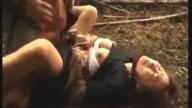 แก๊งโจรรถตู้สุดหื่น ดักฉุดนักเรียนสาวพาไปข่มขืนในป่าข้างถนน หนัง18+