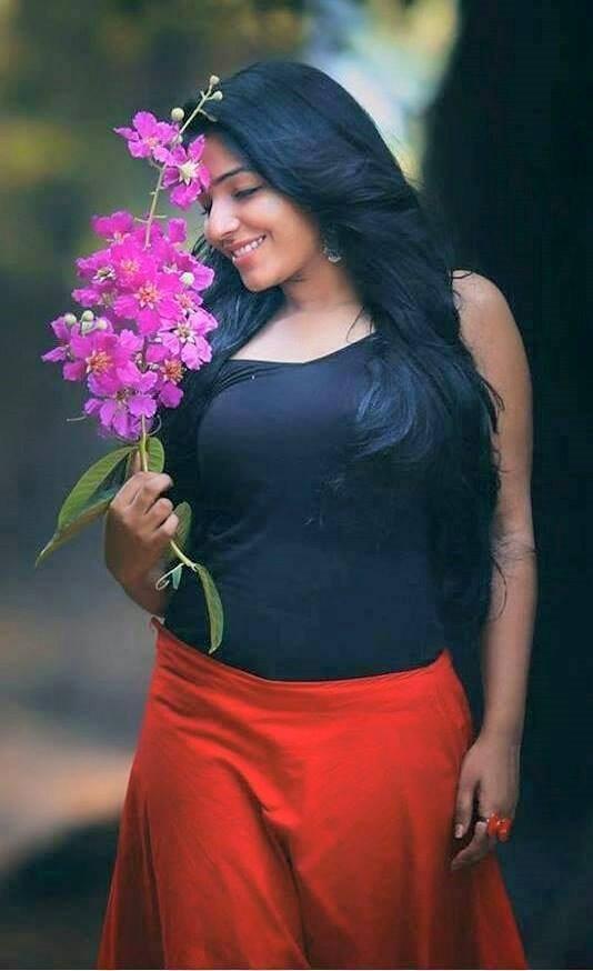 Anuraga Karikkin Vellam Actress Rajisha Vijayan Image Gallery